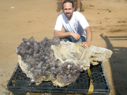 A 575lb amethyst cluster from DH